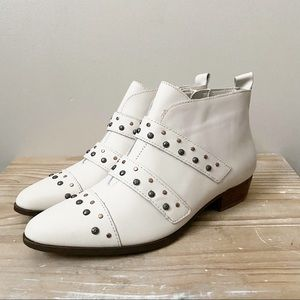 Naturalizer Blissful Leather Studded Booties NWOB